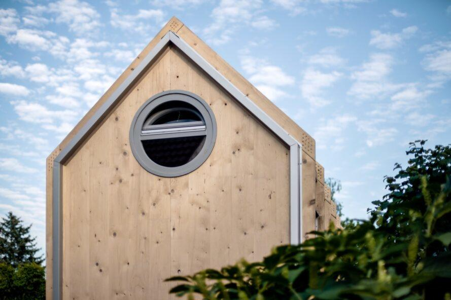 Flat-Pack Kits For DIY Cabins